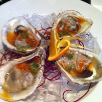 Photo taken at Makisu Sushi Lounge & Grill by Faune H. on 1/22/2011