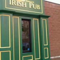 Photo taken at Hennessy's Irish Pub & Restaurant by Cathy 🍷 on 9/29/2011