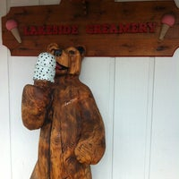 Photo taken at Lakeside Creamery by Beverlee on 7/29/2012