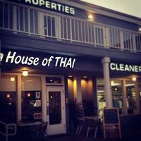 Foto scattata a Supannee House of Thai da Harmony A. il 1/29/2012