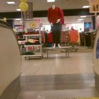 Снимок сделан в Sears пользователем Lisum L. 1/21/2012