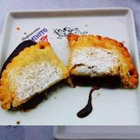 Foto tirada no(a) Empanadas Caminito por Priscila L. em 11/6/2011