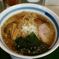 Photo taken at らーめん直久 川崎店 by Kuniyuki K. on 11/15/2011
