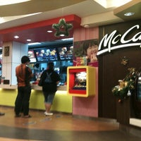 Photo taken at McDonald's & McCafé by Chawana W. on 12/28/2010