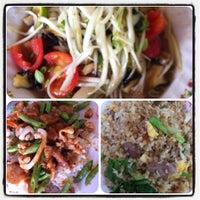 Photo taken at อาหารตามสั่งคุณน้อย by 🌸 KaTe . on 7/11/2012