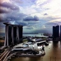 Photo taken at The Ritz-Carlton Millenia Singapore by Leo J. on 12/1/2011