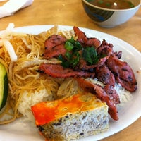 Photo taken at Pho So 1 by Phuong on 3/28/2011