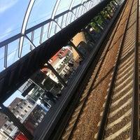 Das Foto wurde bei Bahnhof Jena Paradies von Mauro B. am 6/28/2012 aufgenommen
