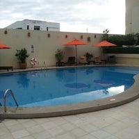 Photo taken at Swimming Pool @ Dusit D2 Hotel by Sungwian M. on 6/10/2012