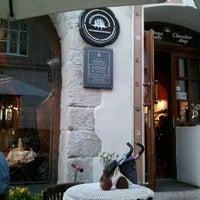 Снимок сделан в Львівська копальня кави пользователем Cesar H. 5/31/2012