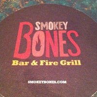 Photo taken at Smokey Bones Bar & Fire Grill by Cre8 S. on 4/28/2012