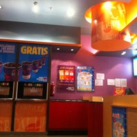Photo taken at Taco Bell (C.C. La Vaguada) by Alexander P. on 4/10/2012