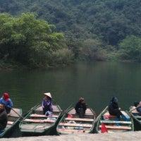 Photo taken at Đây là đâu by Lam B. on 3/11/2012