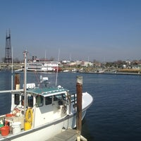 Photo taken at SoNo Seaport Seafood by Grace S. on 3/20/2012