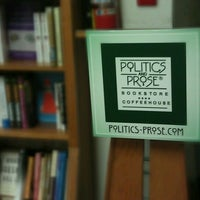 Photo prise au Politics & Prose Bookstore par Ogun H. le4/21/2012