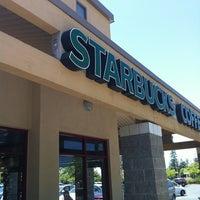 Photo taken at Starbucks by Erwin B. on 7/4/2012