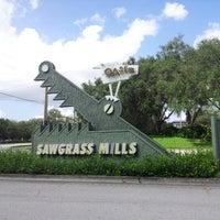 Foto tomada en Sawgrass Mills por Beto B. el 8/29/2012