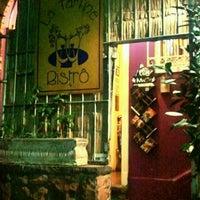 Foto tirada no(a) La Tartine Bistrot por Guilherme M. em 2/3/2012