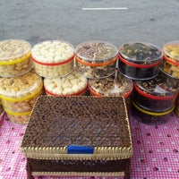 Photo taken at Bazaar Ramadhan Seksyen 7 by Shukrange on 8/13/2012
