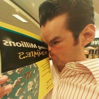 Photo taken at Barnes & Noble by Pher on 5/21/2012