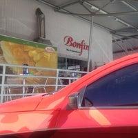 Photo taken at Panificadora Bonfim by Renato n. on 2/29/2012