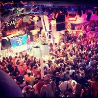 7/27/2012 tarihinde Яна Ш.ziyaretçi tarafından Ibiza Beach Club'de çekilen fotoğraf