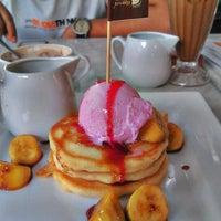 Photo taken at Paddington House of Pancakes by suzie on 3/25/2012
