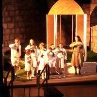 Снимок сделан в Beverly S. Sheffield Zilker Hillside Theater пользователем Heather L. 7/27/2012