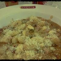 Foto tomada en Spoleto Culinária Italiana por Dennis S. el 6/29/2012