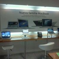 Foto diambil di Aleph Store oleh Santiago M. pada 4/9/2012