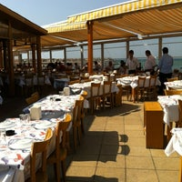 6/27/2012 tarihinde Altay A.ziyaretçi tarafından Ümit Restaurant'de çekilen fotoğraf