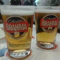 Foto tirada no(a) Quiosque Chopp Brahma por Daniela Azanha .. em 7/8/2012