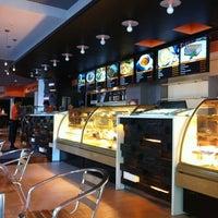 5/10/2012 tarihinde Malika K.ziyaretçi tarafından Coffeedelia'de çekilen fotoğraf
