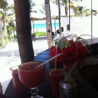 Foto tomada en Ziggys Beach Club por Artem G. el 8/19/2012