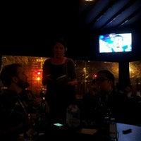 Foto tirada no(a) Charlie Brown's Bar & Grill por Rob em 4/13/2012