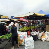 Photo taken at Brinchang Pasar Malam by Petah Wazzan I. on 6/7/2012