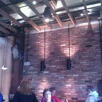 Foto tirada no(a) Matchbox Vintage Pizza Bistro por Rowan M. em 2/25/2012