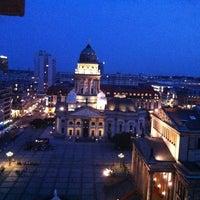 8/22/2012 tarihinde Alexandra A.ziyaretçi tarafından Französischer Dom'de çekilen fotoğraf