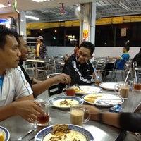 Photo taken at Nasi Kandar Pelita by Mior A. on 8/2/2012
