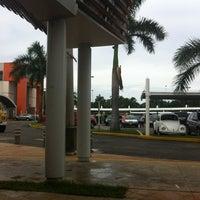 Foto tomada en Plaza Diamante por Freddy el 8/14/2012