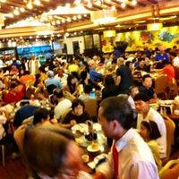 Photo taken at Hong Kong Saigon Seafood Harbor Restaurant by Jonathan S. on 7/22/2012