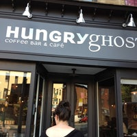 Снимок сделан в Hungry Ghost пользователем Sarah P. 6/22/2012