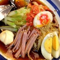 Das Foto wurde bei Hachiban Ramen von Mai ฺ. am 8/14/2012 aufgenommen