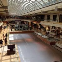 3/15/2012 tarihinde Daphne C.ziyaretçi tarafından The Galleria'de çekilen fotoğraf