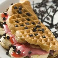 9/8/2012 tarihinde Aylin B.ziyaretçi tarafından Waffle Se7en'de çekilen fotoğraf