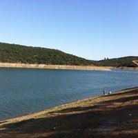 Das Foto wurde bei Alibeyköy Barajı von Ahmet am 8/22/2012 aufgenommen