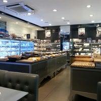 9/9/2012에 Dj C.님이 PARIS CROISSANT Café에서 찍은 사진