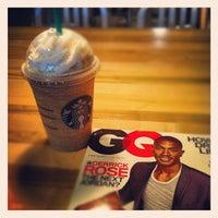 Снимок сделан в Starbucks пользователем Alban L. 5/16/2012