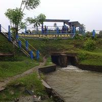 Photo taken at Bendung Pilohayanga by Isnaeni N. on 7/7/2013
