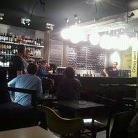 Das Foto wurde bei Drop Shop von Martin B. am 10/17/2012 aufgenommen